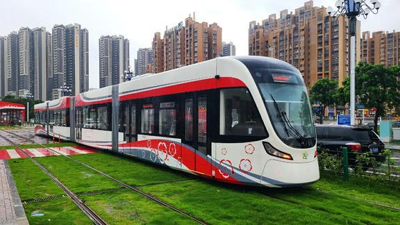 近距离实拍即将崛起的,广州黄埔有轨电车1号线,太漂亮了