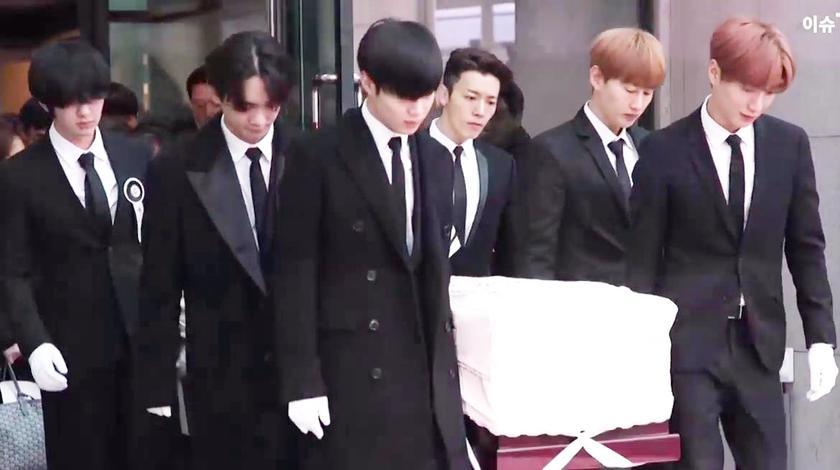 金钟铉 出殡现场,泰民 基范 利特 银赫为兄弟送行,全体泪崩