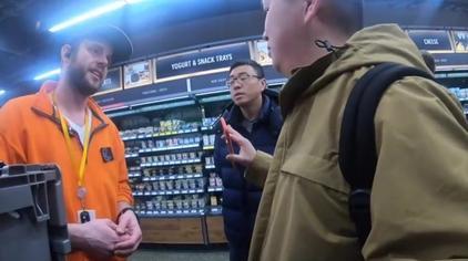 华人大叔第一体验亚马逊无人超市,不结账让他不敢出门!
