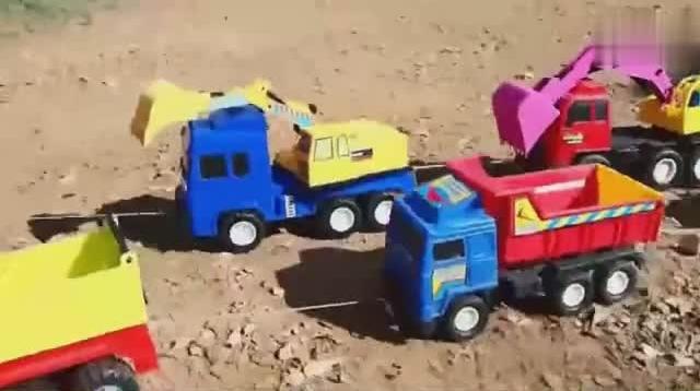 经典迷你儿童玩具挖掘机挖土视频 挖掘机现场工作表演大全