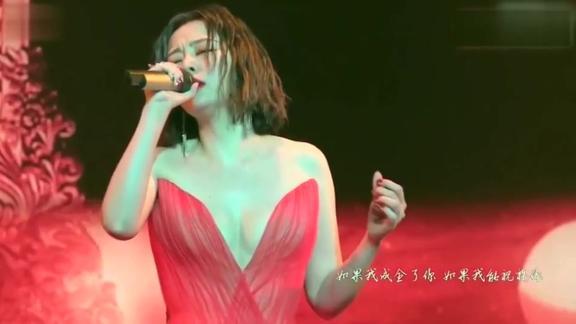张靓颖的歌声好听,关键是身材太好,以前小看她了,对不起