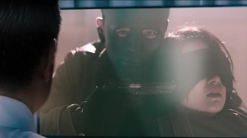 寒战2:绑匪绑架人质威胁警局释放犯人,警局救人承担舆论压力