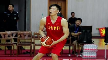 李楠最终选择可兰白克原因 外媒揭秘男篮12人名单