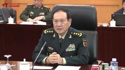 中国队获军事五项障碍跑男女组第一名