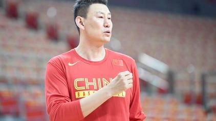 退役9年,44岁的男篮红队主教练李楠三分球16中13