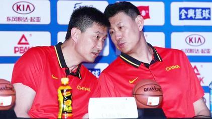 斯杯战绩两重天,红蓝两队存在暗战?杜锋和李楠究竟谁领先?