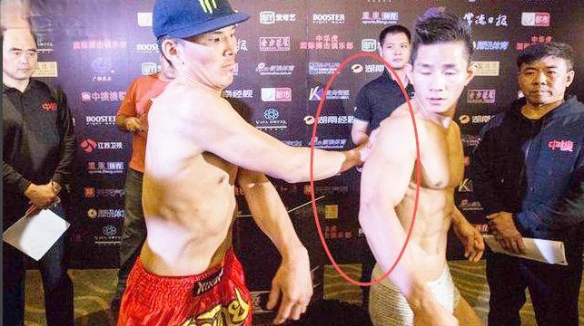 日本拳手挑衅杨建平,惨遭重拳打到,被断头锁住当场昏迷,太解气