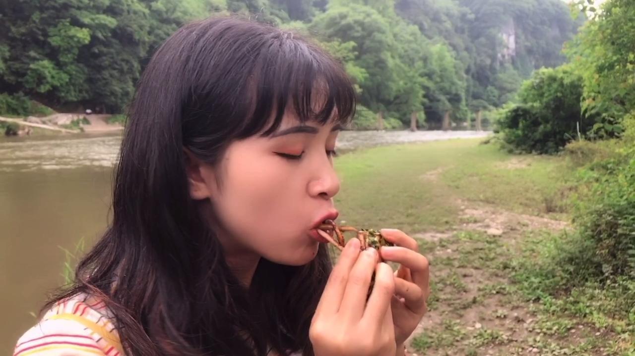 农村女孩口味很重,你们敢吃吗?