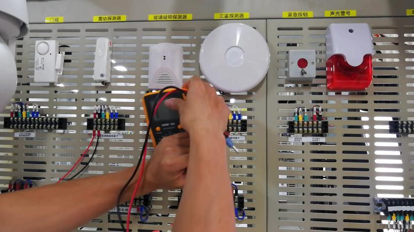 双鉴探测器与报警测试