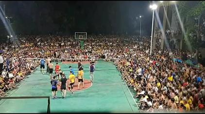 2020年海南业余排球精彩比赛  像美国NBA现在观众人山人海