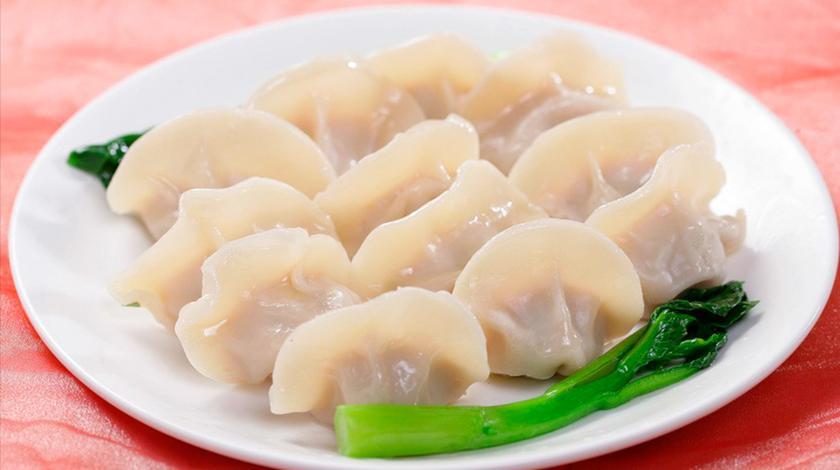 妈妈用它包饺子,我一次吃了两大碗,又香又嫩,比韭菜鸡蛋好吃