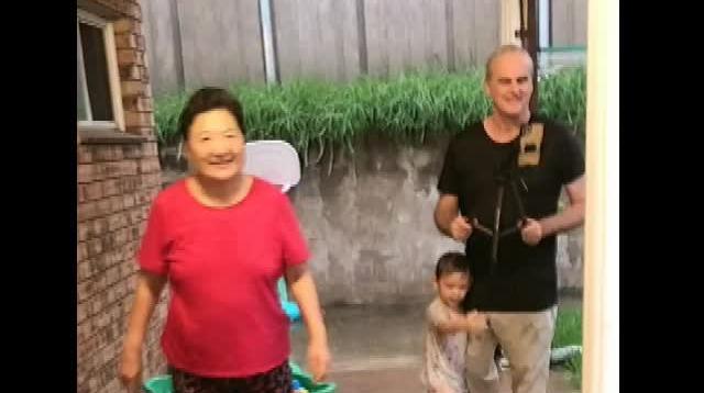 澳大利亚下雨了丈母娘拍着手说太好了小动物有救了,庄稼有救了