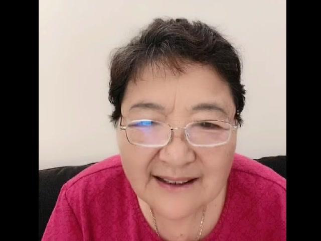 老太太说杨姐呆不住了老想走,回家看看爸爸哥哥好几年没见了