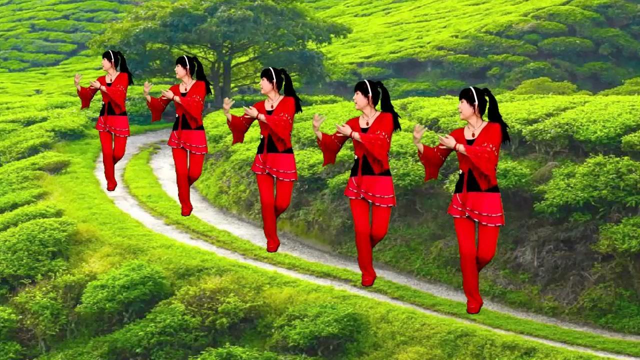 一曲怀旧老歌广场舞《送情郎》音乐舒心好听,舞步简单流畅!